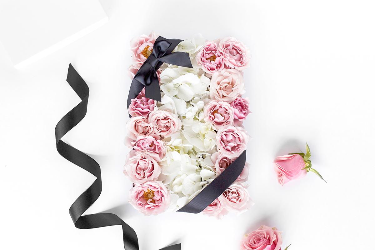custom flower gift box in toronto