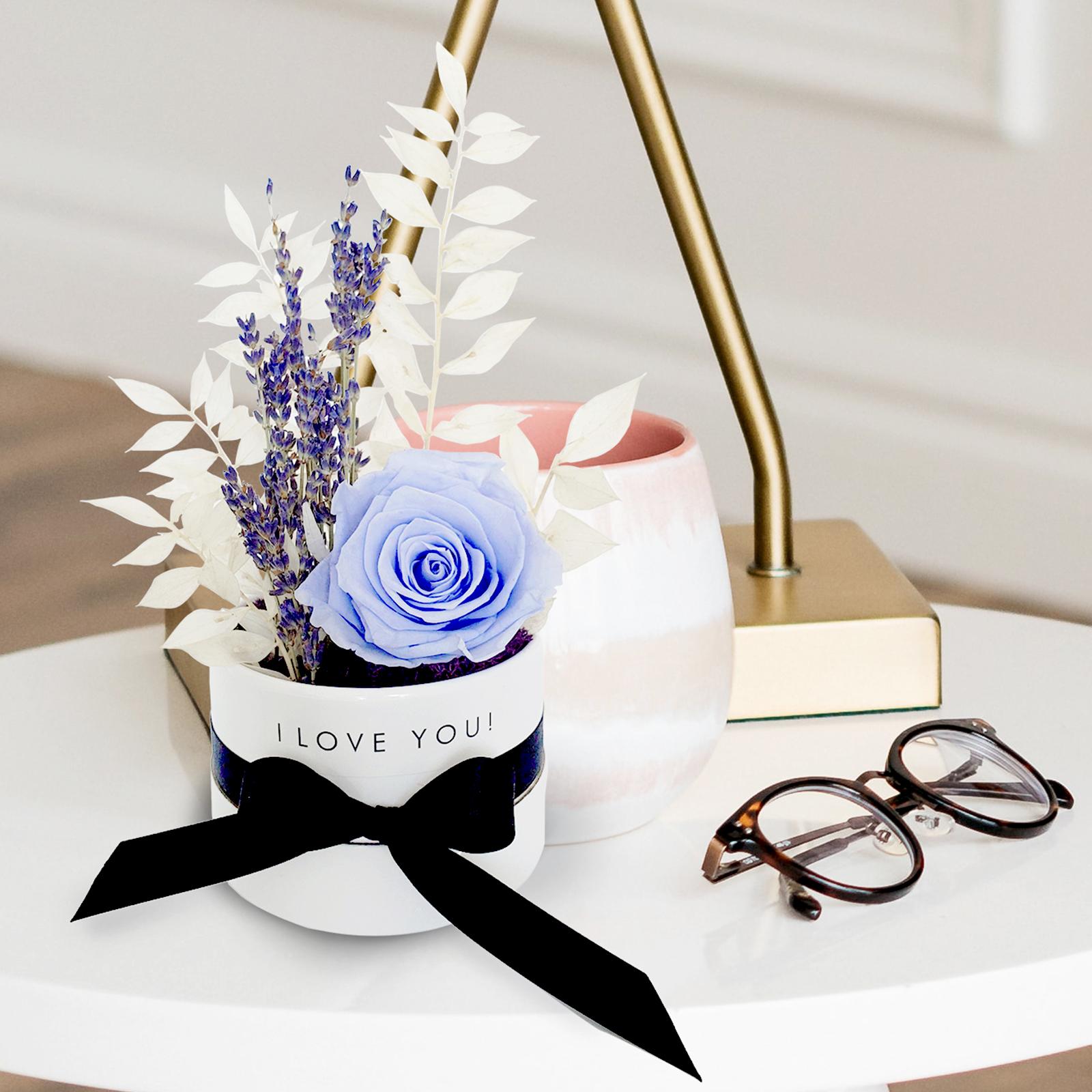 petite-flower-box-close-up