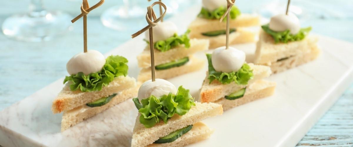 Cocktail Sandwich Station: DIY - level up presentation