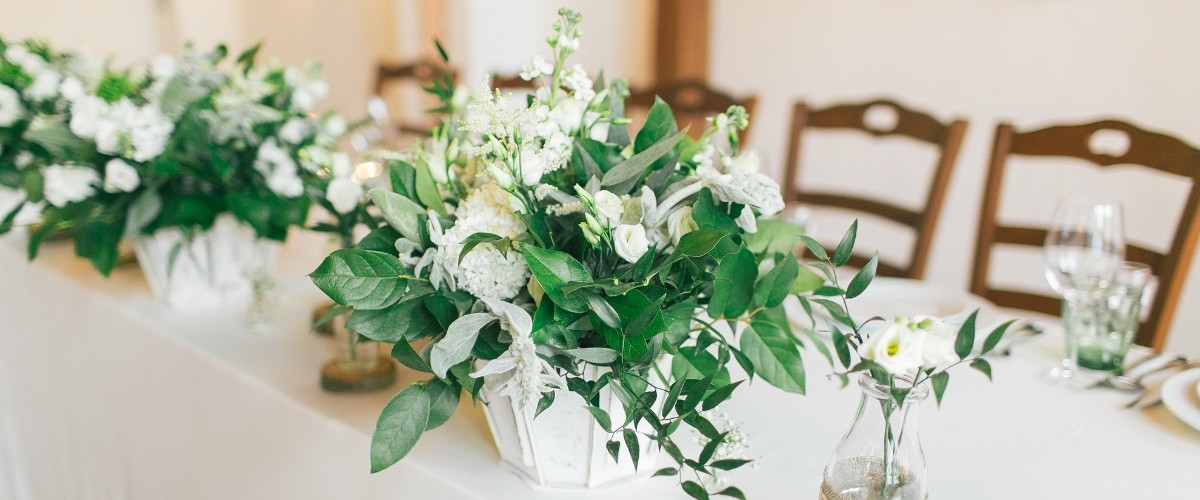 How To Plan a Micro Wedding - decor styling