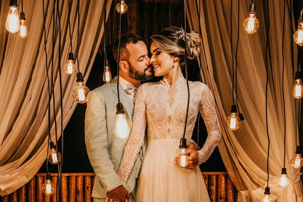 Wedding - edison light bulbs