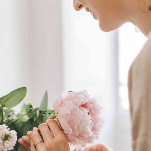 Classy Fake Flower Arrangements How To Make It Less Tacky