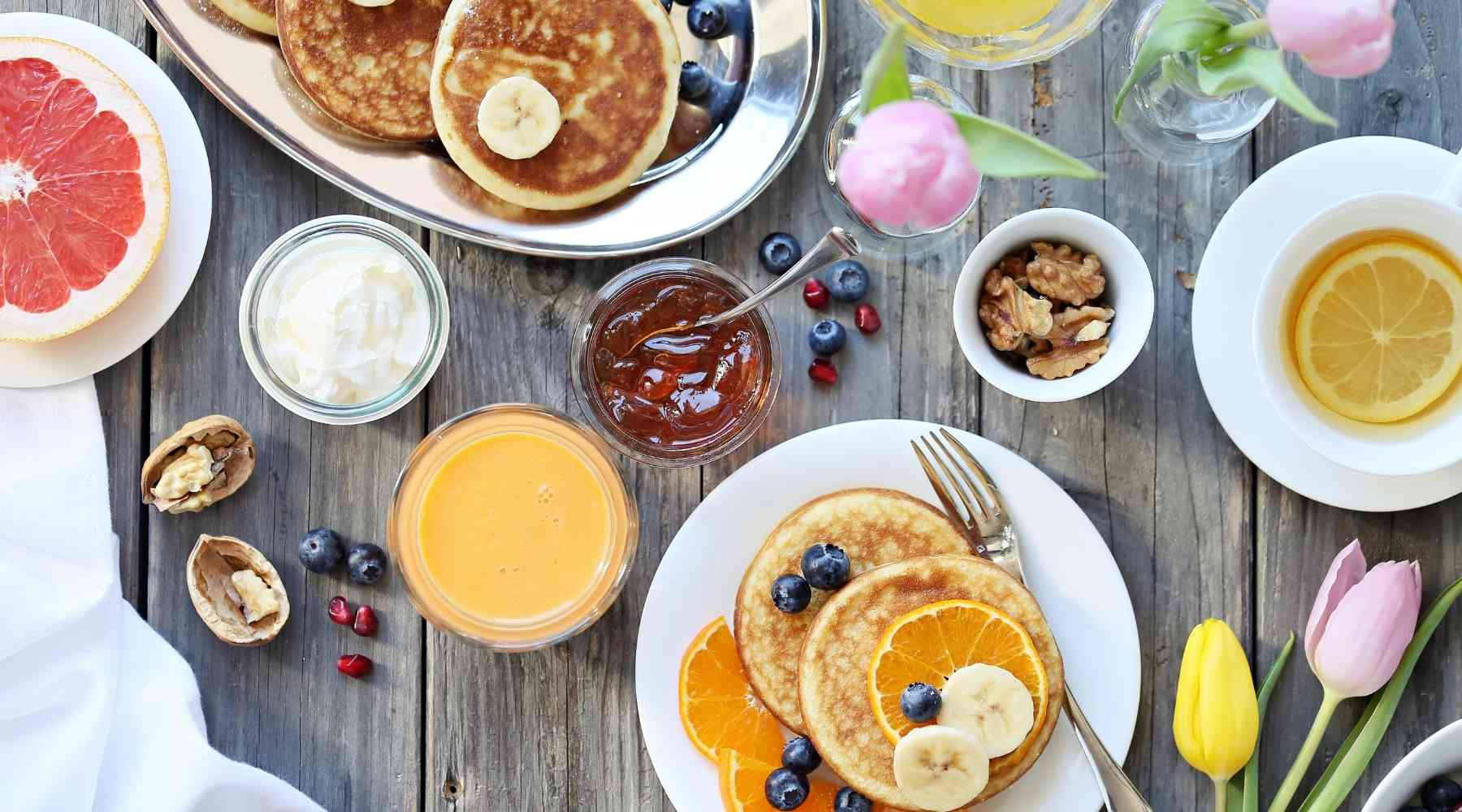 brunch - Creative ways to save money on your wedding: Top 20