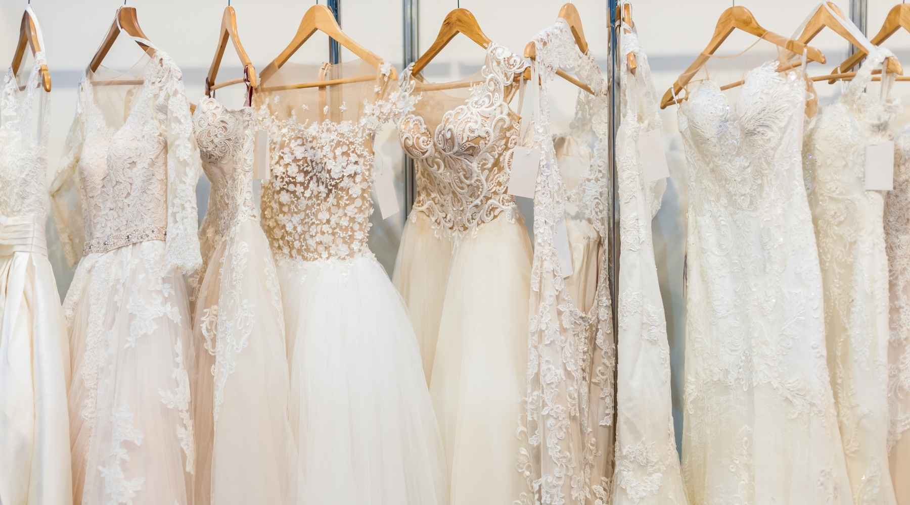 sample sale - 20 creative ways to save money on your wedding