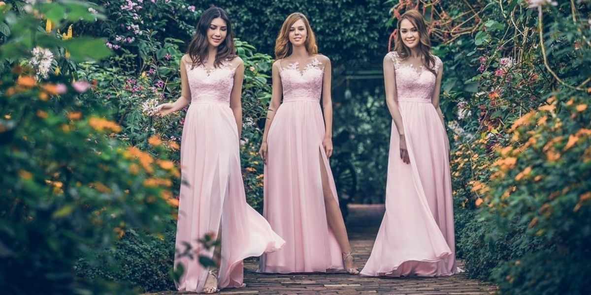Bridesmaids Dresses: Sexy Style - lace