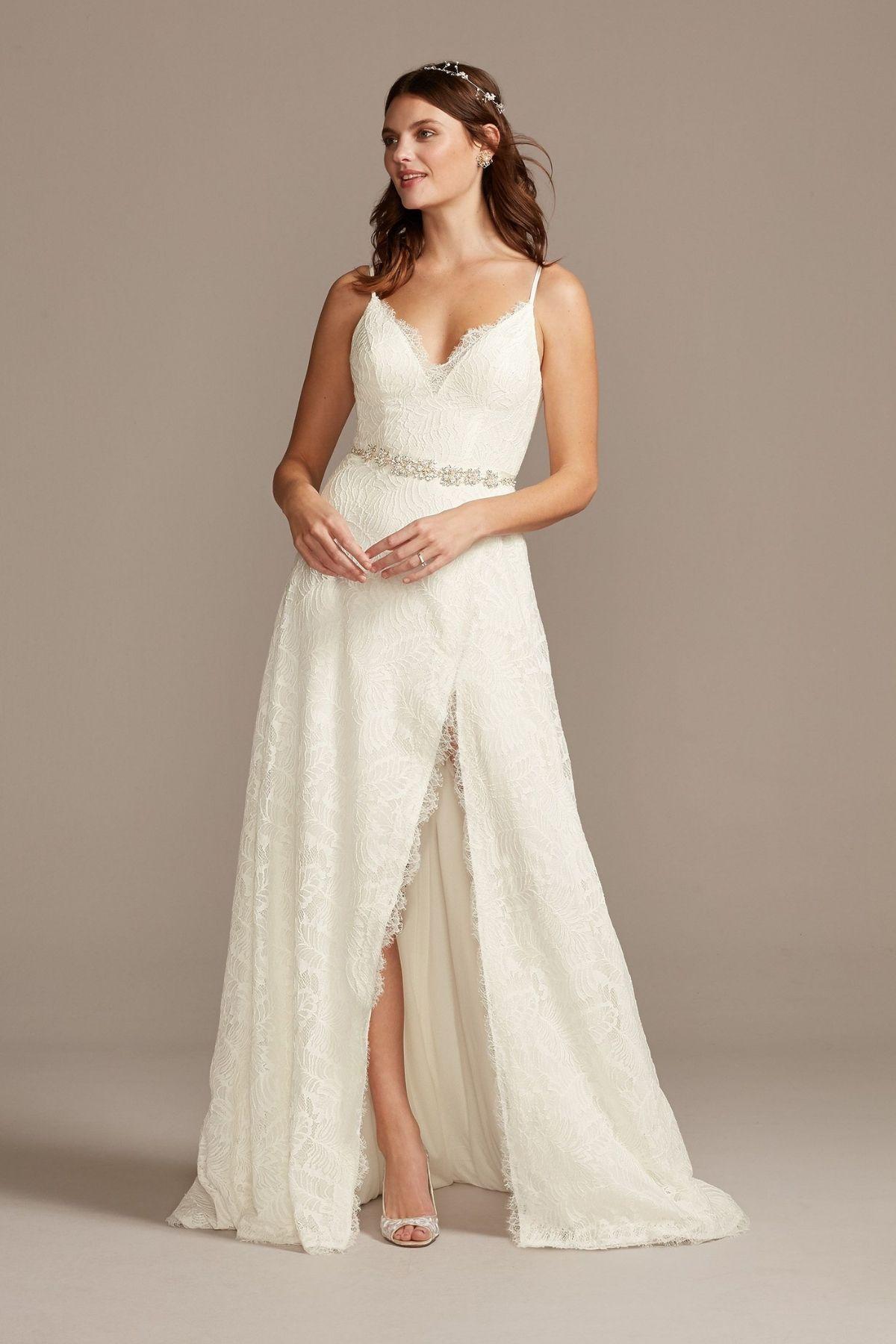 4. Leaf Pattern Lace Slit Skirt A-Line Wedding Dress