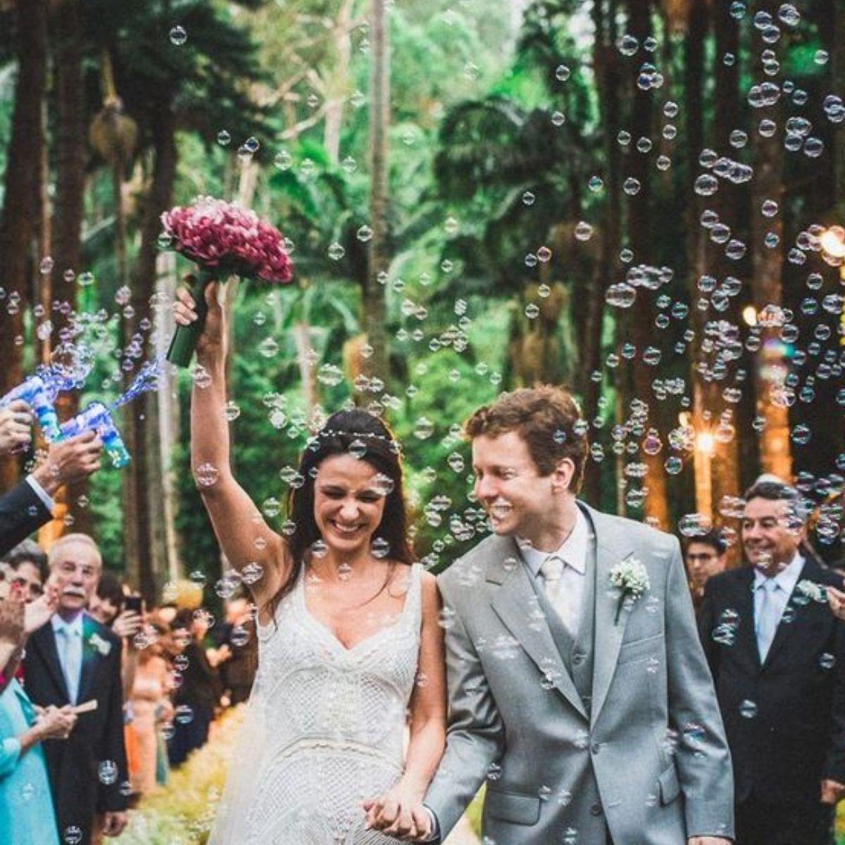 Creative and Fun Wedding Exit Send-off: bubbles