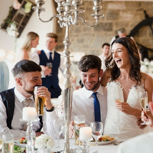 How Much Should You Give as Wedding Gift - monetary and registry