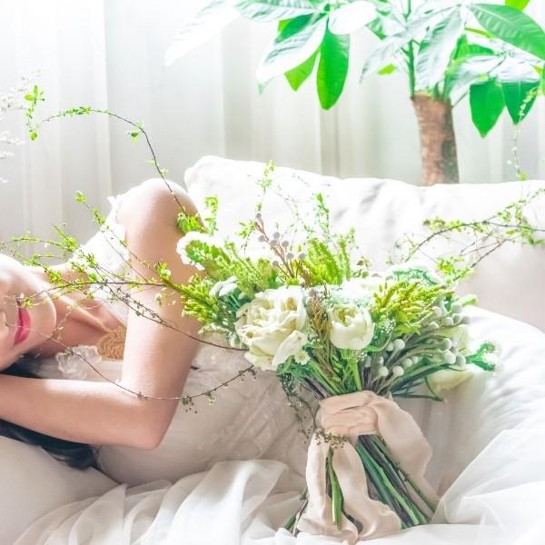 How To Make a DIY Wedding Bouquet - garden bouquet