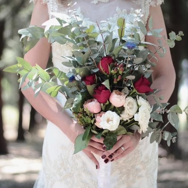 How To Make a DIY Wedding Bouquet - facing forward