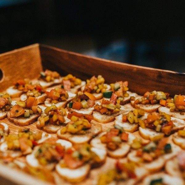 Is it normal to not want to have a sit-down meal at a wedding? - cocktail reception