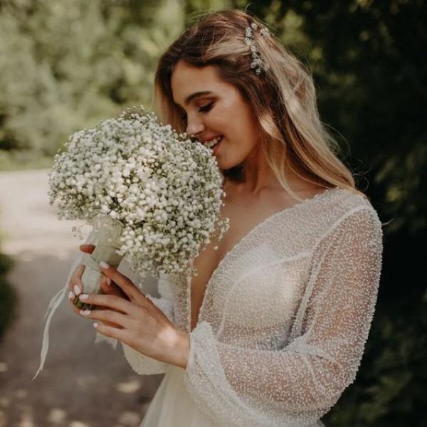 Affordable Wedding Bouquet Designs - babies breath