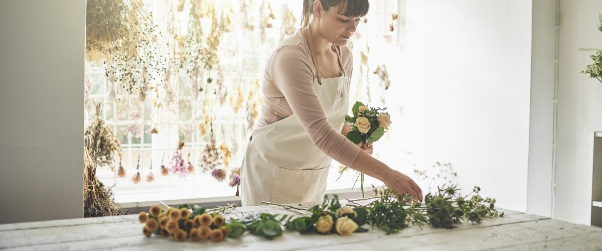Do I Need A Wedding Planner? | Why You Should Hire A Wedding Planner - vendor management