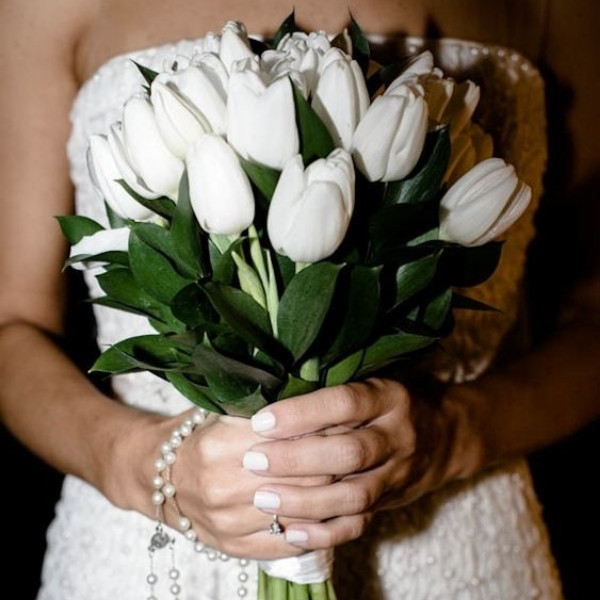 Affordable Wedding Bouquet Designs - tulips